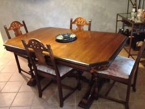 RARE Antique Berkey Amp Gay Carved Walnut Dining Room Set