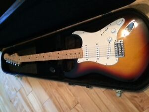 Stratocaster with hard case and Line 6 100 watt amp spider III