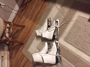 women's size nine figure skates