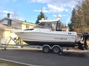 FOR SALE 2005 CAMPION 682