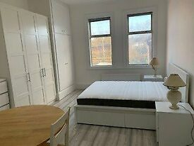 Studio flat in Fordwych Road, North West London