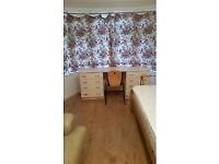 Large room to let in Kingsbury North West London, £120 per week including bills