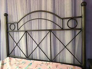 Meubles Chambre à coucher 50$