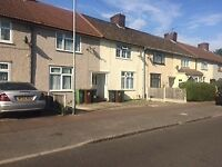 2 Bedroom House to Rent in Vincent Road, BECONTREE RM9 - part DSS welcome with the guarantor