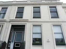 Furnished Bedsit in converted TownHouse 2 Minutes walk from Byres Road, BillS NOT INCLUDED