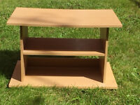 Tv Tand or small coffee table