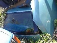 CORSA TAILGATE DOOR Breaking for parts in GATWICK