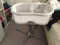 Halo Bassinet Swivel Cosleeper. Extra Fitted Sheets included. Excellent Condition!