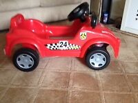 Ride on children's pedal car £7