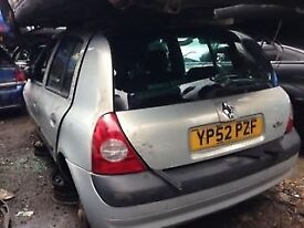 RENAULT CLIO 2002 1.2 PETROL SILVER 5DR BREAKING FOR SPARES