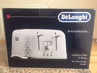 NEW UNOPENED DELONGHI DIAMOND TOASTER IN WHITE