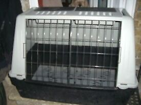 "LuXury pet travel cage or massve cat litter tray 31 x 21 + 24"" tall - CLACTON ON SEA -"
