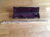 Flute - Yamaha 311 - excellent condition and very easy to play