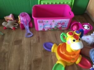 Barely Used Girl Toddle Mega Blocks, Carriage and Giraffe