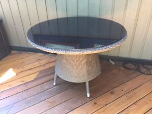 Round Outdoor Dining Table with Glass Top