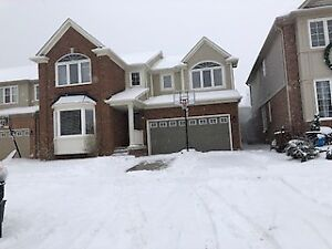 Alliston - 4 + 1 bdrm house in great area of town.