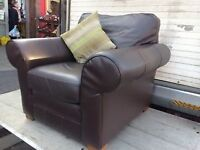 SINGLE FAUX LEATHER ARM CHAIR