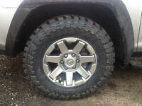 Toyota Toyo M/T Open Country rubber and rims