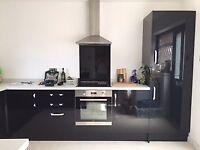 Howden's Black Gloss Kitchen