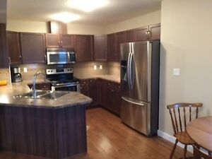 New two storey townhouse - hardwood - stainless steel appliances