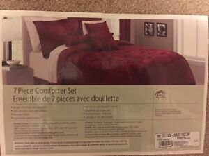 $75 - Sears Whole Home 7 Piece Comforter Set - Queen - NEW!!