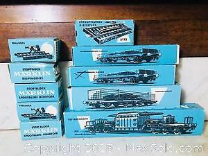 VINTAGE MARKLIN HO SCALE ROLLING STOCK AND STOCK BLOCKS ALL BOXED