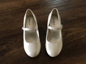 New First Communion or Flower Girl Shoes.  Size  2