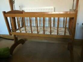 Crib cot with rocker