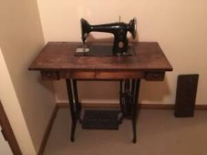 Singer Treadle Table & Sewing Machine Birkdale Redland Area Preview