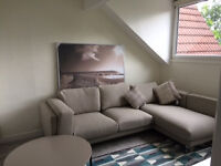 Large 3 Double Bedroom Apartment in Roundhay - 5 mins from Bustling Street Lane NO CHILDREN