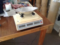 Electric Digital Brecknell 112 retail scales (2)