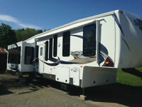 2012 Sandpiper 345RET Fifth Wheel Camper