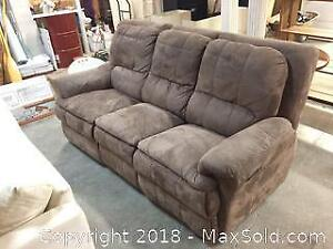 Reclining Micro Fibre Couch in great condition