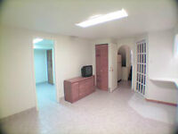 1-Bedroom Basement Appartment for Rent (Newly Renovated) !!!