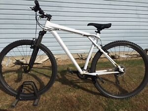 Like New Karakoram Men's Mountain Bike