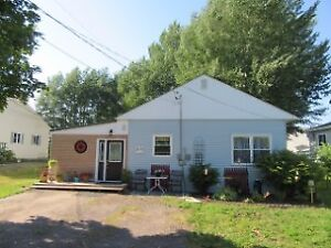 210 Maple Ave, Sussex NB  E4E 2N2