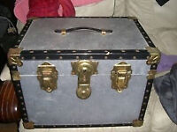 METAL TRUNK / CHEST / STORAGE / TABLE / CASE - CLACTON ON SEA - CO15 6AJ Clacton-on-Sea METAL TRUNK