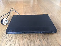 Phillips Blue-ray/ DVD Player BDP2100 with remote