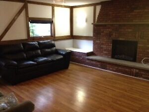 Room for rent - Walking distance to college