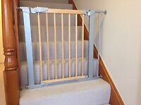 BabyDan Avantgarde Pressure Indicator Safety Stair Gate and Extensions x 2