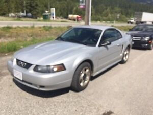 2003 Ford Mustang Coupe (2 door) $3200
