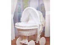 White pram crib