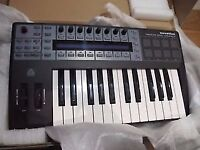 Novation ReMOTE 25 SL COMPACT 25-Key USB MIDI Controller + Microphone GRATIS!!!