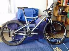 "Santa Cruz Blur XC 26"" XTR Components Full Suspension size LG MTB Manly Manly Area Preview"