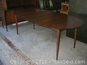 Mid Century Modern Oval Dining Table with Leaves B