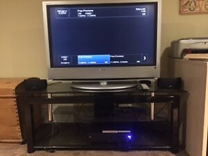 "Sony 40"" LCD TV with Glass stand and Bose Surround sound"