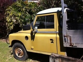 Series 3 Land Rover tray back good condition Korora Coffs Harbour City Preview