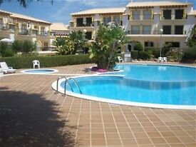 Sunny Algarve Town House sleeps 6 nr Albufeira good family area.