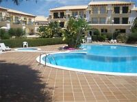 Sunny Algarve Town House sleeps 6 nr Albufeira good family area.