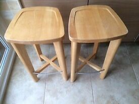M and S Breakfast bar and stools